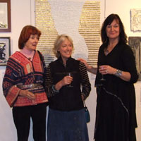 Vanessa Somers Vreeland, Liz Pannett & EMG in front of ' Elisabeth' by Lucio Orsoni. Dorset County Museum, Private View